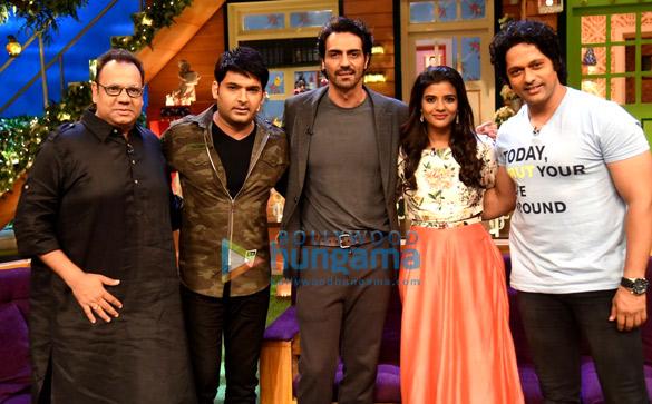 अर्जुन रामपाल और ऐश्वर्या राजेश द कपिल शर्मा शो में 'डैडी' का प्रमोशन करते हुए