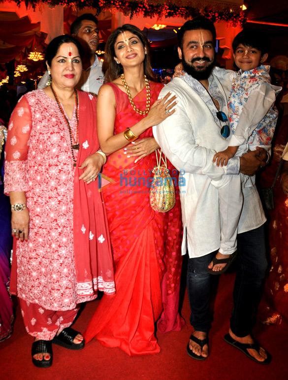 शिल्पा शेट्टी और उनका परिवार इस्कॉन मंदिन में जन्माष्टमी समारोहों में आया नजर