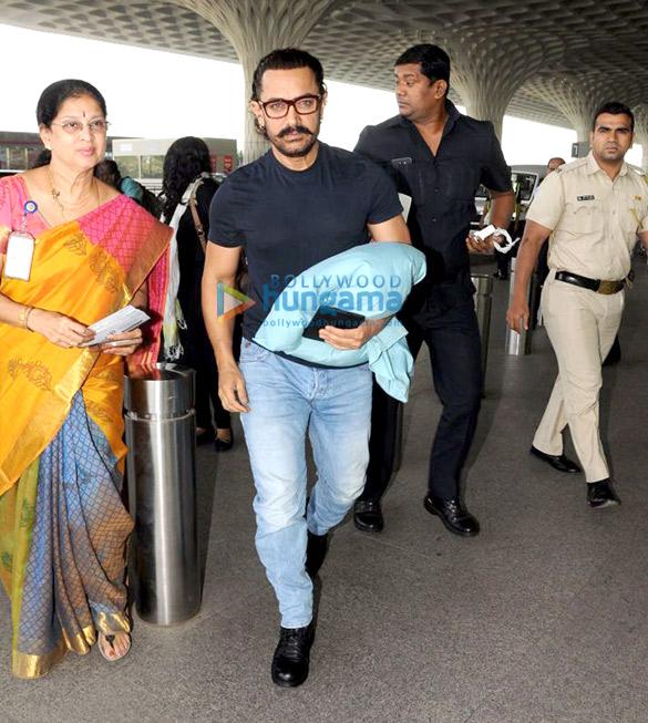 आमिर खान, अमिशा पटेल और अन्य हवाईअड्डे पर आईं नजर