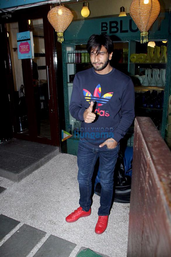 रणवीर सिंह बीब्लंट के बाहर आए नजर