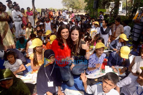 सुष्मिता सेन और रूबल नागी ने गणतंत्र दिवस समारोह में भाग लिया