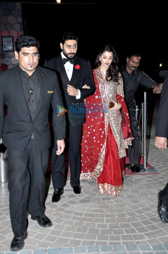 स्टाइलिस्ट आस्था शर्मा की शादी में शामिल होते अभिषेक बच्चन, ऐश्वर्या राय बच्चन, ईशा गुप्ता और हुमा कुरैशी