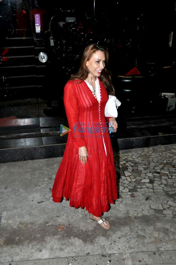 बांद्रा में एक सैलून के बाहर नजर आईं यूलिया वंतूर