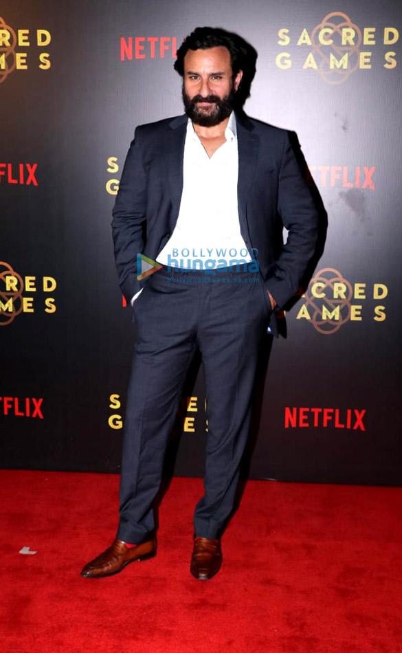सैफ अली खान, नवाजुद्दीन सिद्दीकी और अन्य ने नेटफ्लिक्स की ऑरिजनल सीरिज 'सेक्रेड गेम्स'  के रेड कार्पेट स्क्रीनिंग की शोभा बढ़ाई