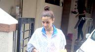 आलिया भट्ट बांद्रा में  मैट्रिक्स ऑफ़िस में आईं नजर