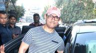आमिर खान बांद्रा में नजर आए