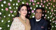 सलमान खान, शाहरुख खान, अमिताभ बच्चन और अन्य लोगों ने राज ठाकरे के बेटे अमित ठाकरे - मिताली बोरुडे के वेडिंग रिसेप्शन की शोभा बढ़ाई