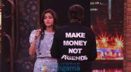 Photos: अनन्या पांडे और चंकी पांडे 'मूवी मस्ती विद मनीष पॉल शो' के सेट पर नजर आए