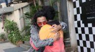 Photos: वरुण धवन और भुवन बाम Vice Global Tapas Bar जुहू में नजर आए