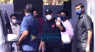 Photos: अक्षय कुमार, जैकी भगनानी और भूमि पेडनेकर जुहू में पूजा एंटरटेनमेंट के ऑफ़िस में नजर आए