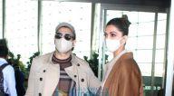 Photos: रणवीर सिंह, दीपिका पादुकोण, वरुण धवन, कियारा आडवाणी और अन्य एयरपोर्ट पर नजर आए