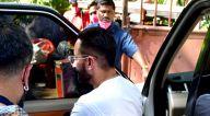Photos: सैफ अली खान बांद्रा में शूट पर नजर आए