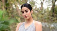 Photos: जान्हवी कपूर और वरुण शर्मा अपनी फिल्म रूही का प्रमोशन करते हुए नजर आए