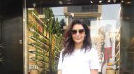 Photos: करिश्मा तन्ना बांद्रा में नजर आईं