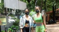 Photos: नेहा शर्मा और आयशा शर्मा बांद्रा में नजर आईं