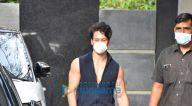 Photos: टाइगर श्रॉफ जुहू में पूजा फ़िल्म्स में नजर आए